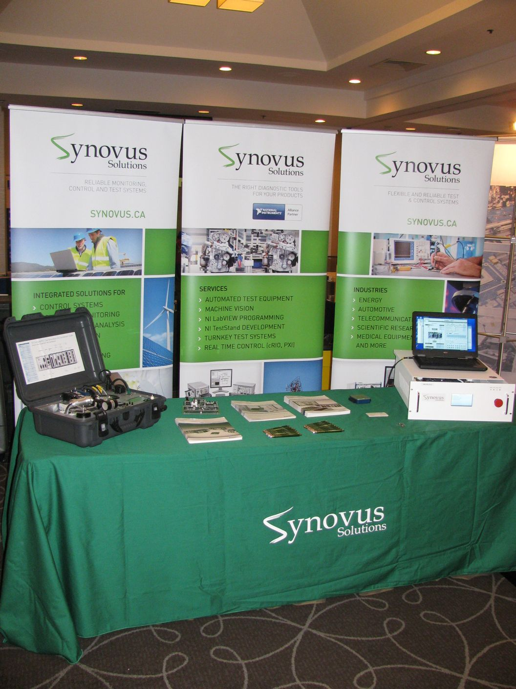 Synovus trade show booth