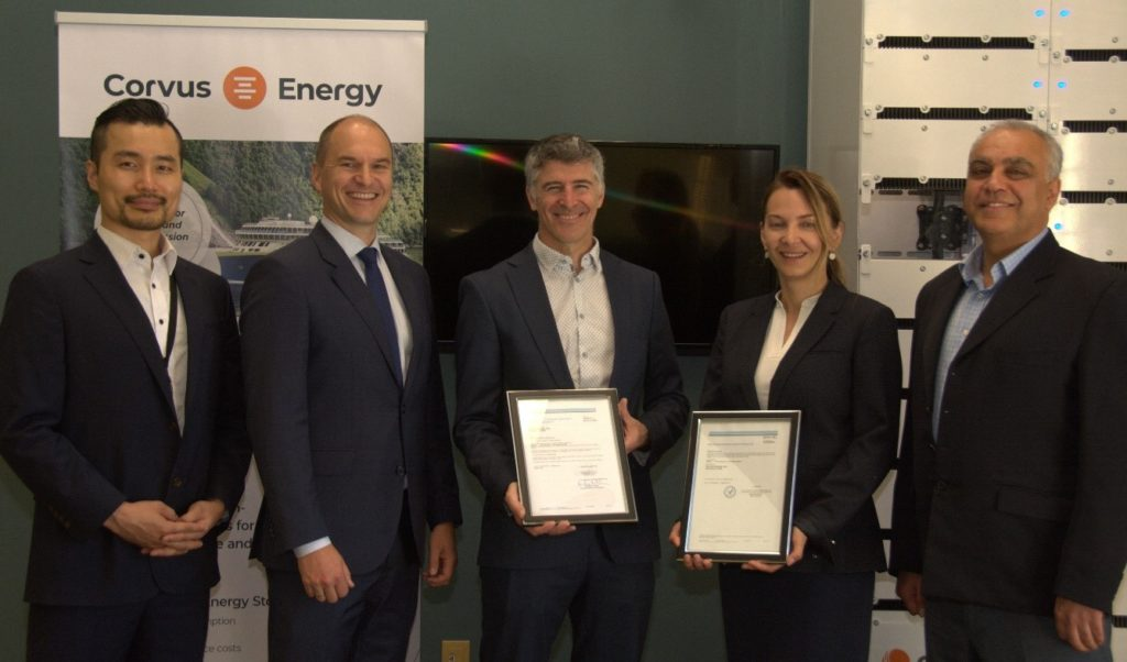 Corvus Energy employees receive certificate from DNV GL